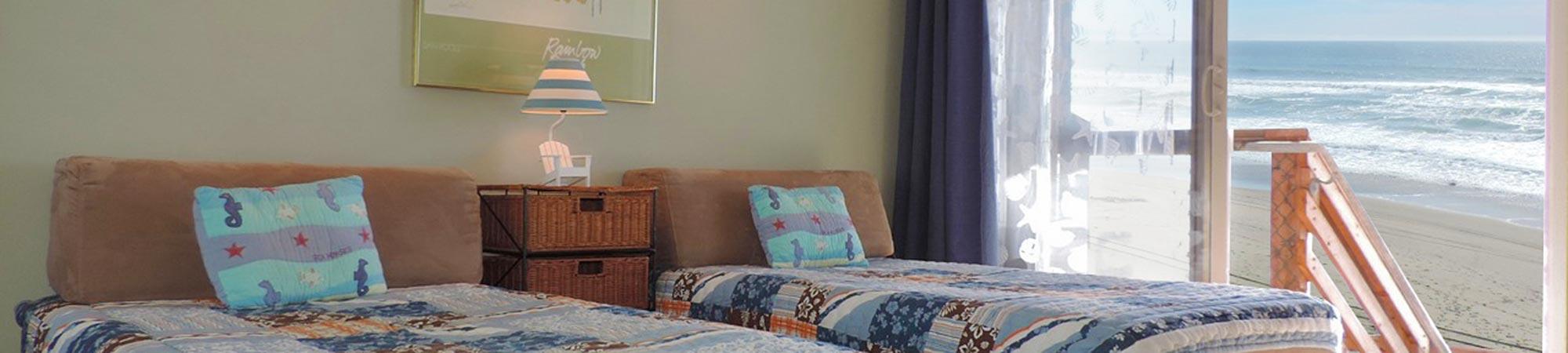 bedroom twin beds -ocean view